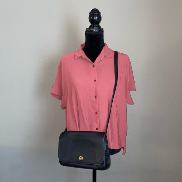 COACH Black Glove Tanned Leather Ridgefield Bag